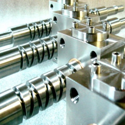 Self-Reversing machined screws